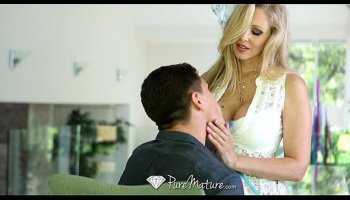 HD - PureMature Hot Milf Julia Ann loves dick